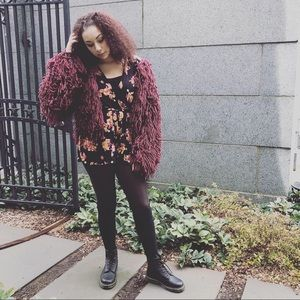 4f135c8ace2a52 PrettyLittleThing Jackets   Coats - Burgundy shaggy knit cropped cardigan